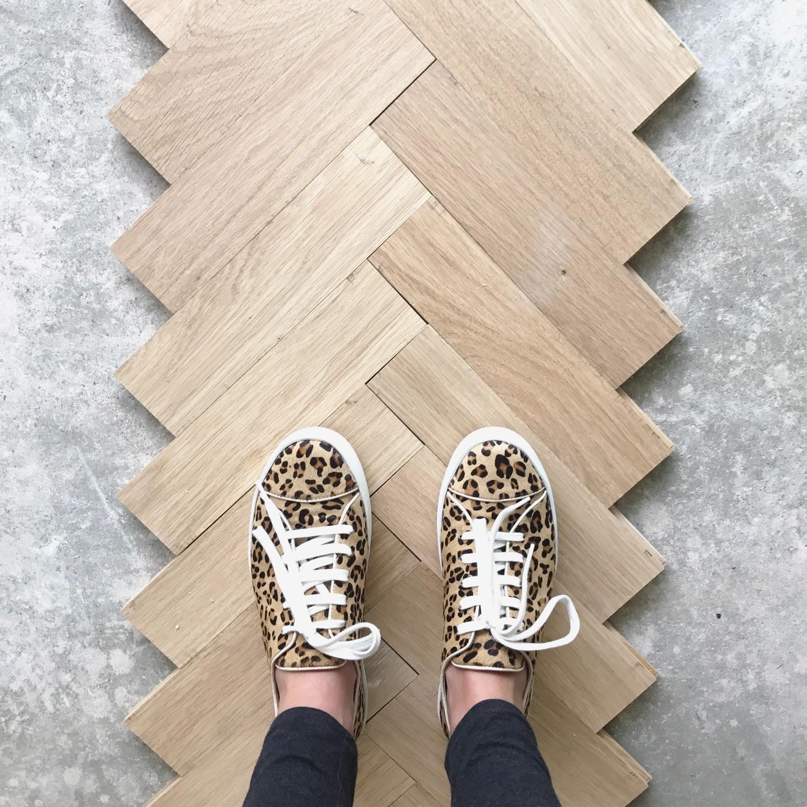 house laying a herringbone floor