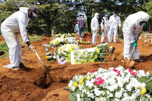 Brasil atinge mais de 300 mil mortos pela Covid-19