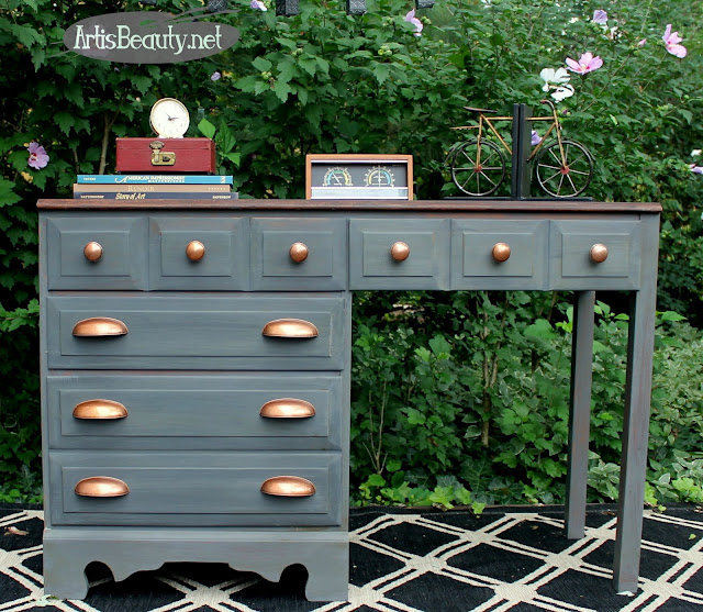http://www.artisbeauty.net/2016/08/gray-and-copper-desk-makeover-fab.html