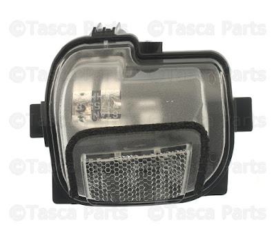 Đèn xi nhan trên gương phải Mazda 3 BM giá 350.000 đ mã BHS269122A
