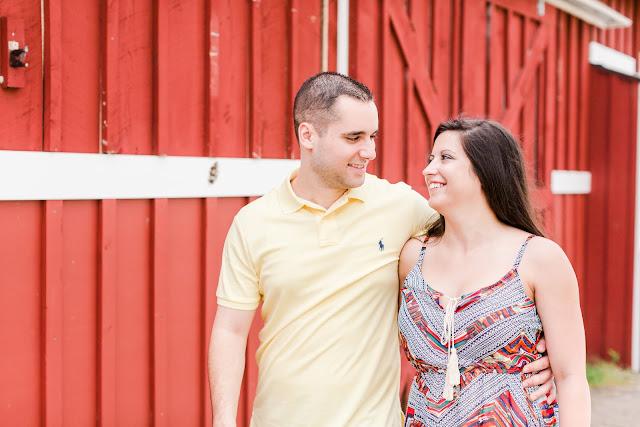 Kinder Farm Park Engagement Photos | Photos by Heather Ryan Photography