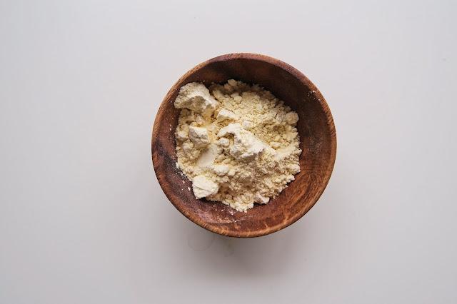 besan - mąka z ciecierzycy
