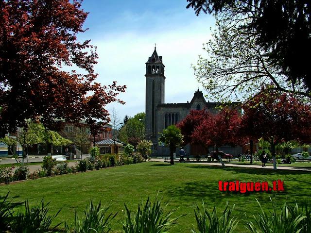 Plaza de armas de traiguén e iglesia