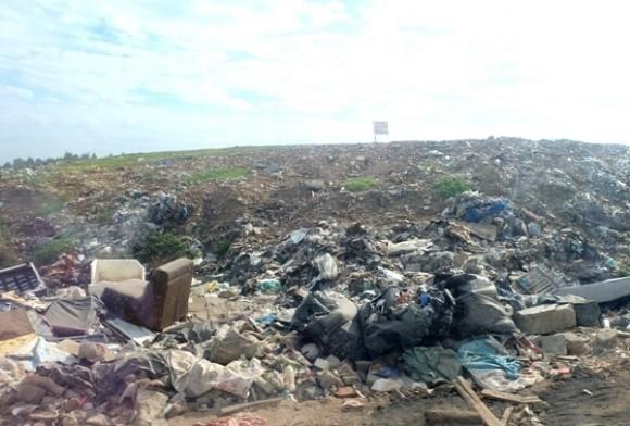 Chi 12,5 tỷ đồng phủ bạt để giảm mùi hôi ở bãi rác