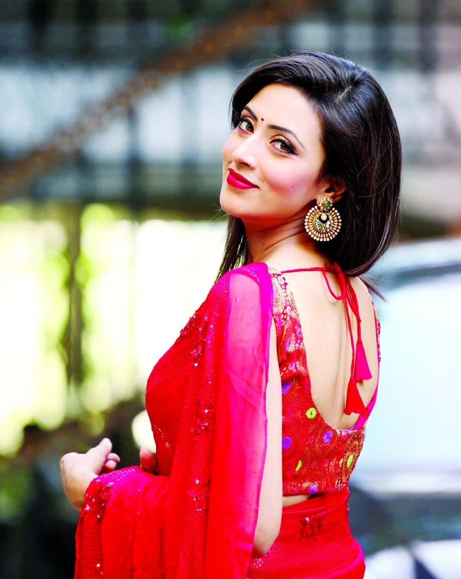 Red Indian Girl Wallpaper Bidya Sinha Saha Mim Hd Wallpapers Download Free High