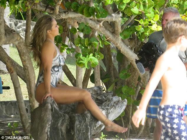 Ronda Rousey Nude — Shocking Body Paint Pics!   National
