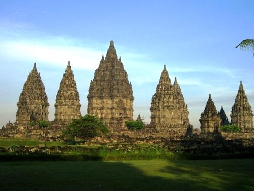 WALLPAPER Foto Candi Prambanan