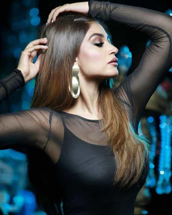 Actress Zoya Nasir