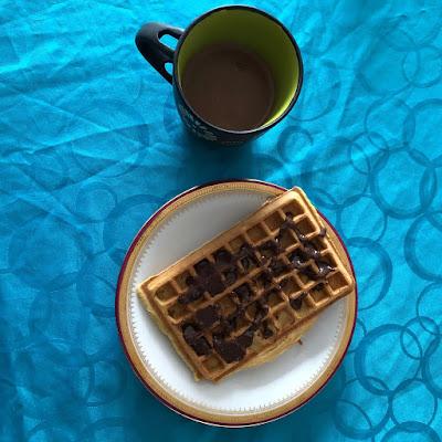 Pâte à tartiner maison à la noisette et au cacao façon Nut'Alsace sur gaufre