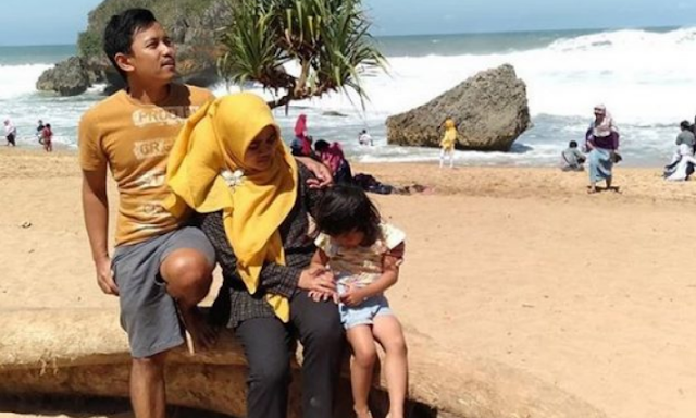 wisata-keluarga-di-pantai-kukup