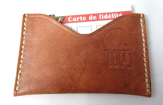 Porte carte en cuir avec logo et cartes