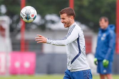 Cầu thủ đắt nhất lịch sử quyết không rời Bayern