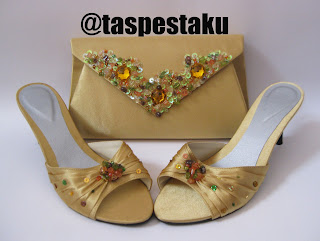 Tas Pesta dan Sandal Pesta Gold Model Amplop