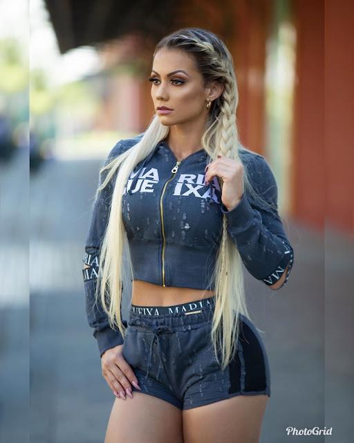 Vivi Winkler Hot & Sexy pics