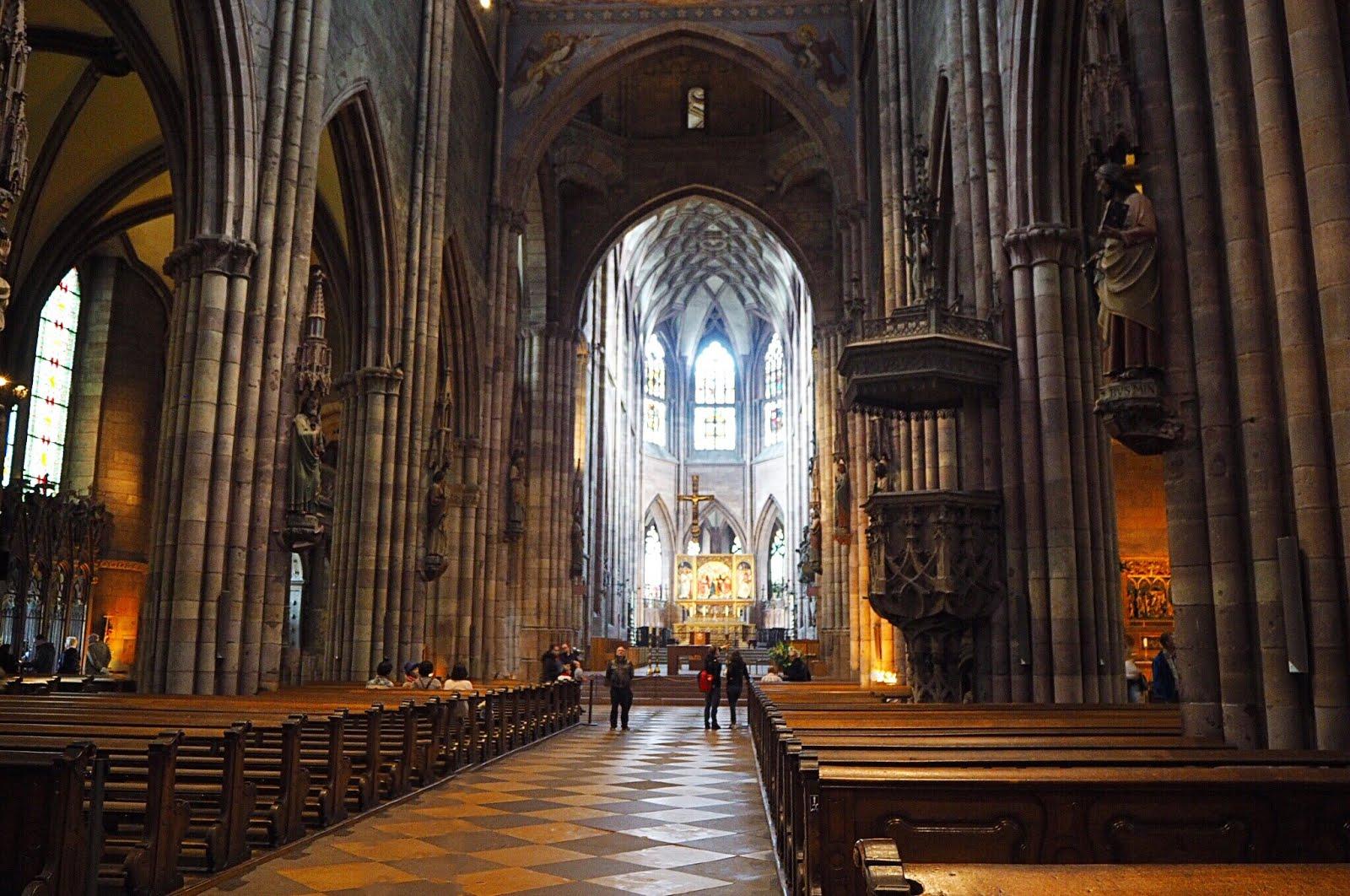 Freiburger Münster von Innen
