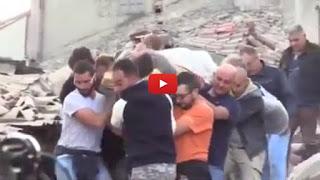 Video del ragazzo estratto vivo dalle macerie del terremoto ad Amatrice