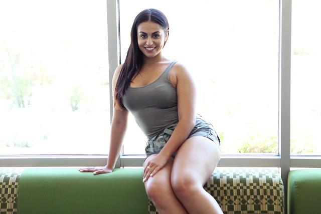 Ayesha Perry Iqbal Hot