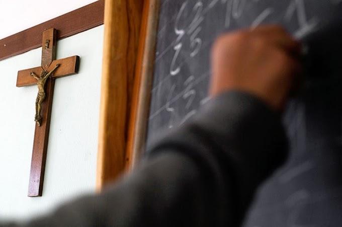 Eltüntetnék a kereszteket az olasz iskolák tantermeiből