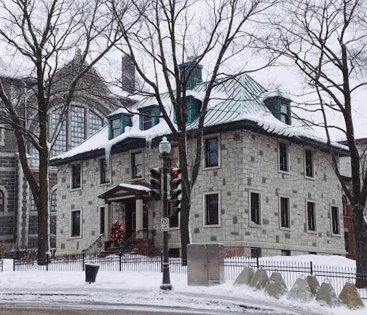 the Grande Allée in Québec City, Canada
