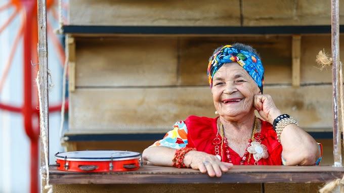 Nova mestra da cultura do Ceará comanda um grupo de coco feminino há 40 anos, na cidade do Crato
