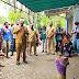 Pemkab Mimika Bantu 1 ½ Ton Beras Untuk Warga Tiga Kampung yang Akan Dipulangkan