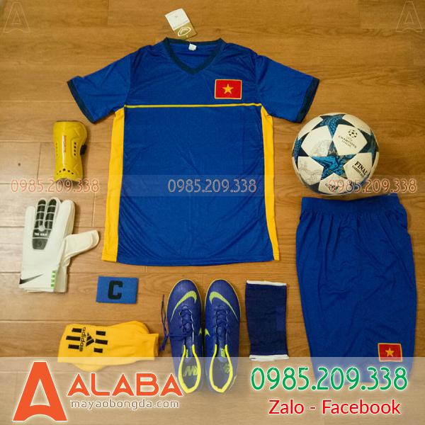 Áo đội tuyển Việt Nam màu xanh đậm