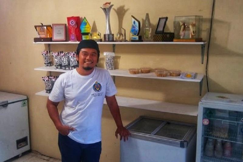 Noviyanto, sang penyulap susu sapi menjadi keju