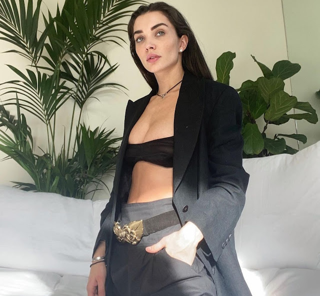See this black outfit style of Amy Jackson, you too will say wow Funny Jokes