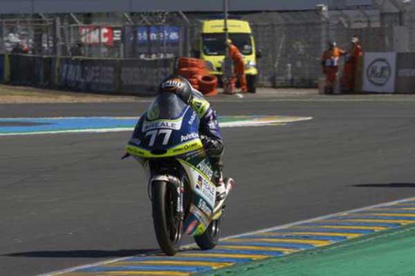 El joven piloto de motociclismo (14 años) fallecido en un accidente, Andreas Pérez, en una carrera