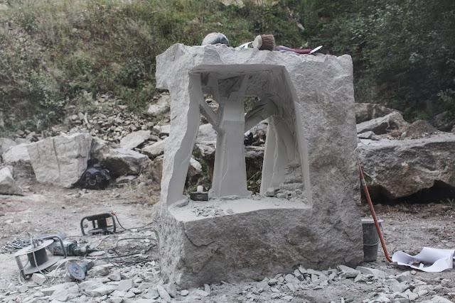 maximilien soullier sculpteur designer sur pierre. Black Bedroom Furniture Sets. Home Design Ideas