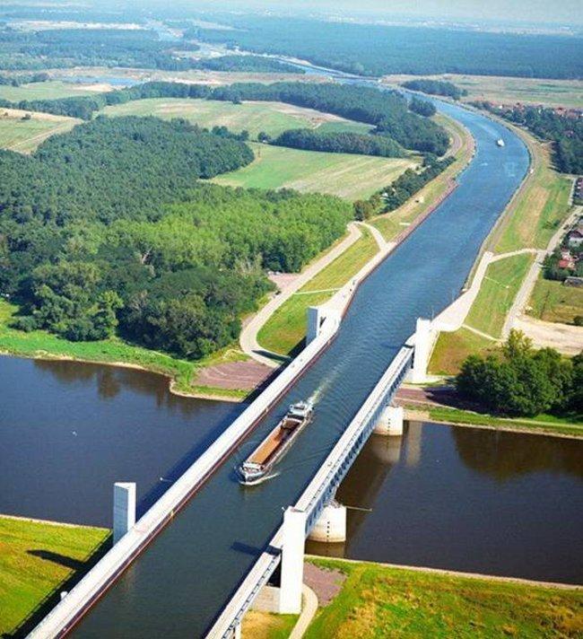 Cầu nước Magdeburg - Đức