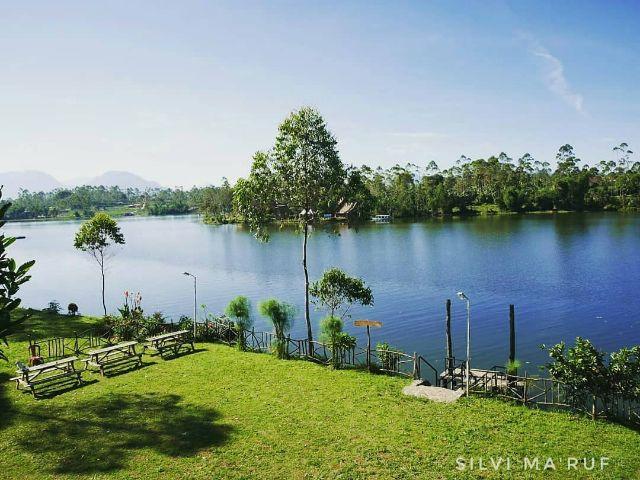 Panorama Alam Situ Cileunca DiPotret dari Halaman De bloem Villa