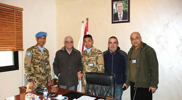 Cimic Unit Laksanakan Liaison di Desa Al Naqoura