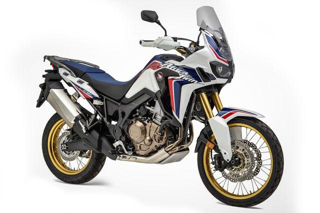 3c0d9f19133 La compañía anunció la llegada de la NC750X y la versión manual de la  África Twin. Además, adelantó el lanzamiento de la ágil CB500F y una de las  motos más ...