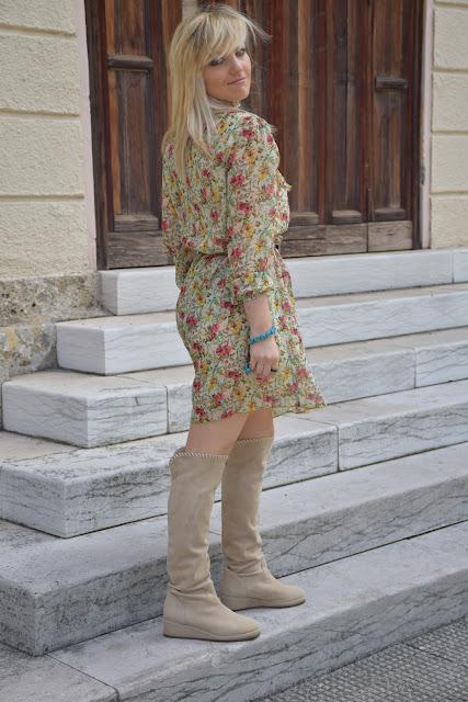 abito fornarina fiori outfit maggio 2017 outfit primaverile mariafelicia magno fashion blogger colorblock by felym fashion blog italiani blog di moda blogger italiane di moda