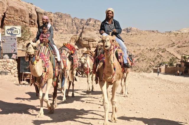 petra jordanië, historische site petra, edom,nabateeërs,
