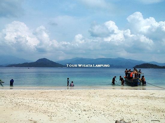 pulau kelagian lunik