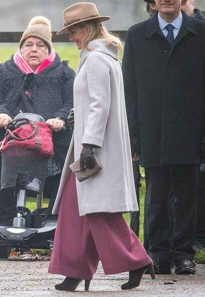 The Queen wore a fur green coat and completed her outfit with a stunning emerald brooch. Countess of Wessex and Princess Charlotte