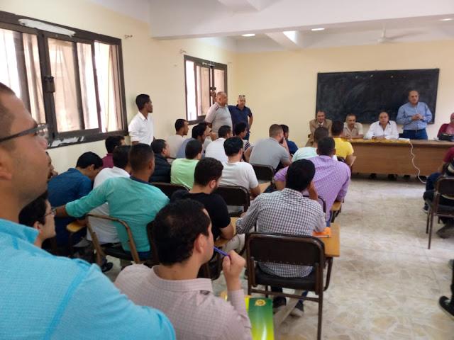 افتتاح دورة مطبقي المبيدات بمركز حوش عيسي