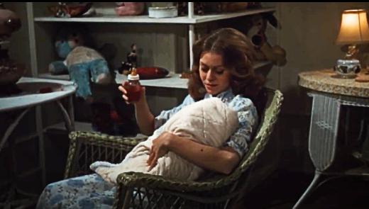 Kitty Vallacher feeding her vampire baby in Grave of the Vampire, 1972