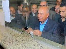 وزير النقل ينتقد مستوى النظافه فى محطة مصر.