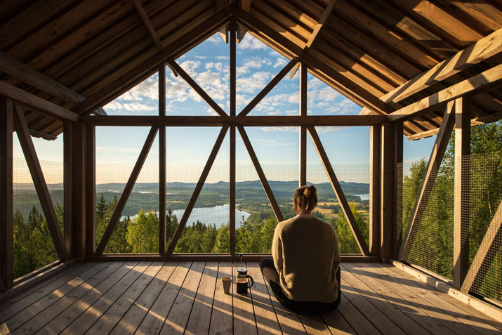 Bergaliv Loft House is a getaway on the hillside of Åsberget mountain in the north of Sweden.