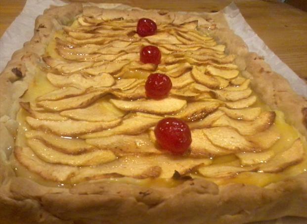 Receta de Tarta de manzana con hojaldre y crema pastelera