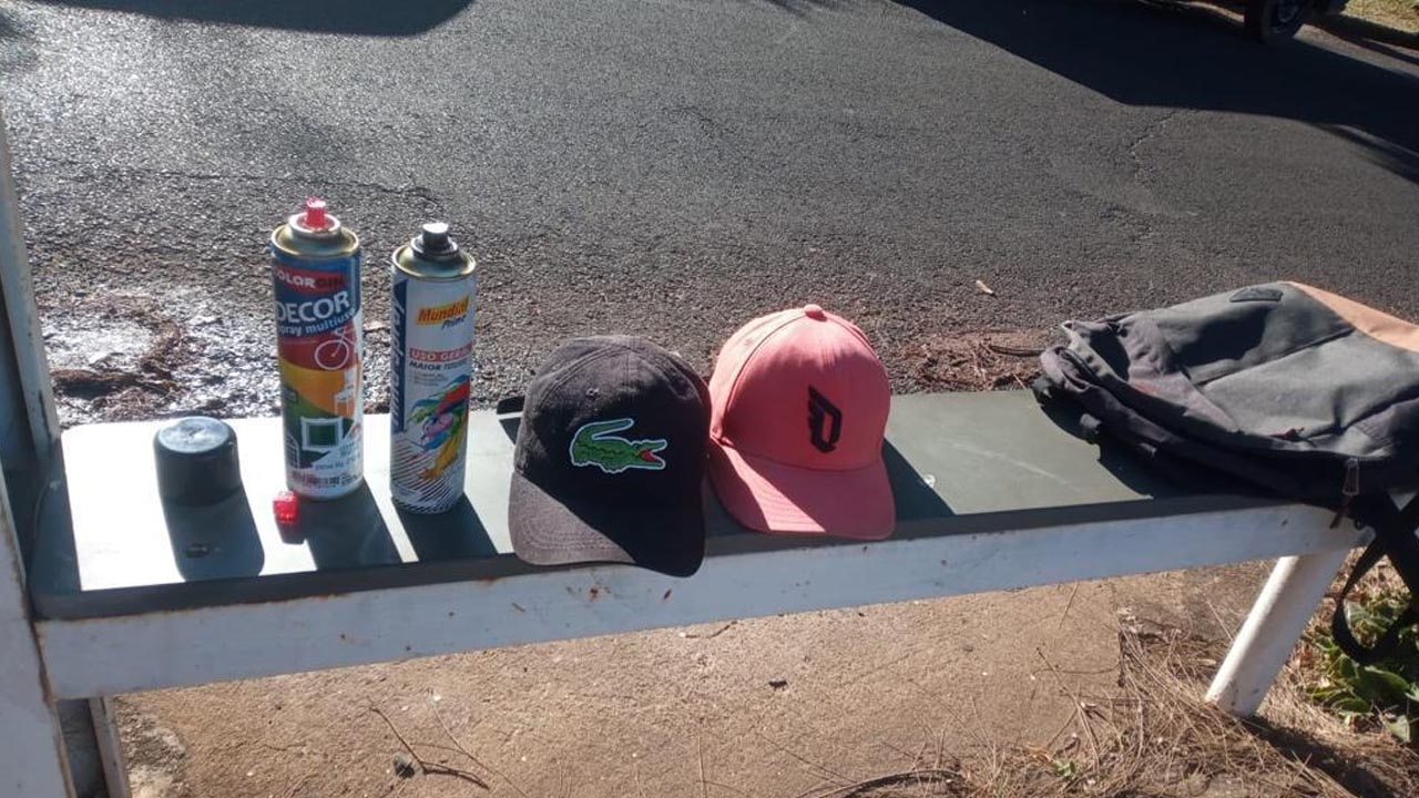 Guarda Municipal surpreende pixadores em Praça do Jardim Planalto