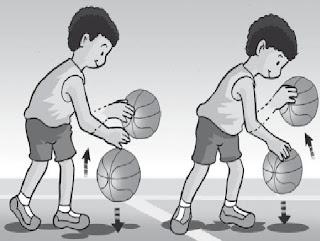 anak sedang memantulkan bola www.simplenews.me