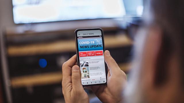 covid19-news-on-phone