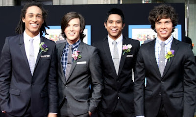 Foto de integrantes de AllStar Weekend felices