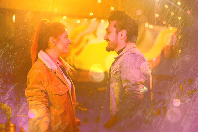 A still from Uzair Jaswal and Momina Mustehsan's song Hamesha.