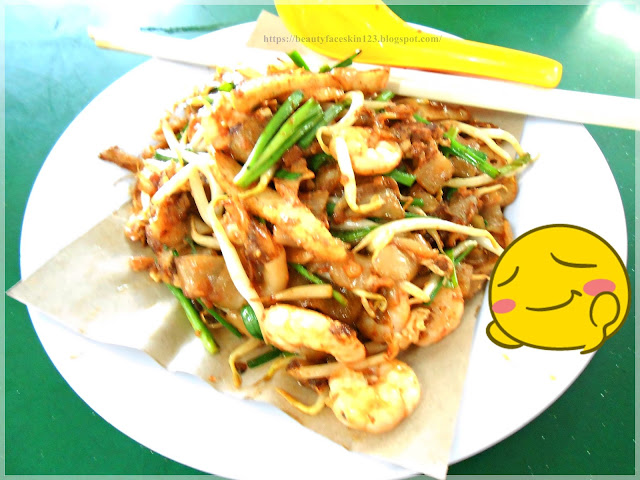 Fried Kueh Teow stall at Jiang Kang Seafood Restaurant Kuantan, Malaysia