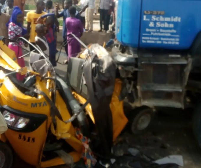 Trailer being chased by police crushes 20 persons to death in Yola
